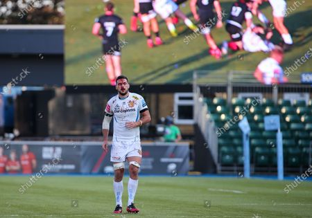 Tom Price of Exeter Chiefs covered in blood