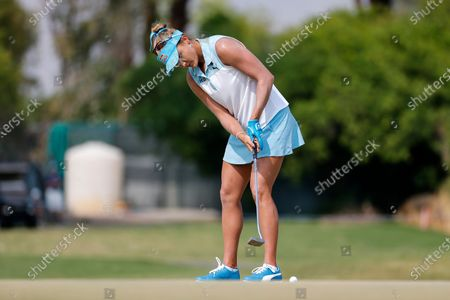 Lexi Thompson watches her shot on the fourth hole during the final round of the LPGA's ANA Inspiration golf tournament at Mission Hills Country Club in Rancho Mirage, Calif