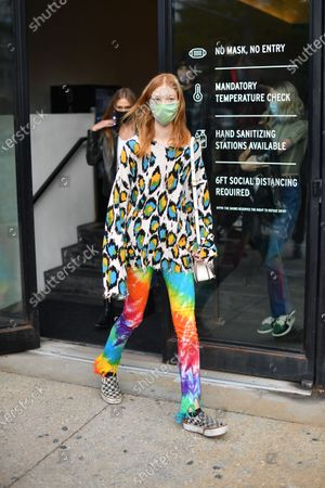 Model at NYFW 2020 street fashion outside Jason Wu