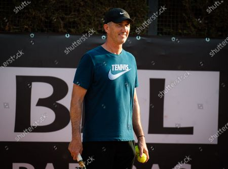 Darren Cahill during practice with Simona Halep at the 2020 Internazionali BNL d'Italia WTA Premier 5 tennis tournament