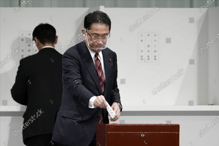 Foreign Minister Fumio Kishida casts his ballot at the Liberal Democratic Party's (LDP) leadership election September 14, 2020, in Tokyo. The winner will be de facto elected as Japan Prime Minister. Tokyo, JAPAN 14 September 2020.