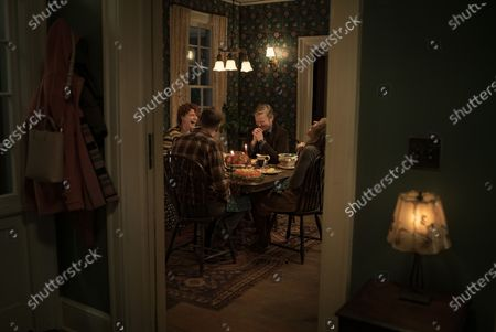 Jessie Buckley as Young Woman, David Thewlis as Father, Jesse Plemons as Jake and Toni Collette as Mother