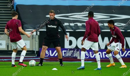 West Ham coach Kevin Nolan during the warm up