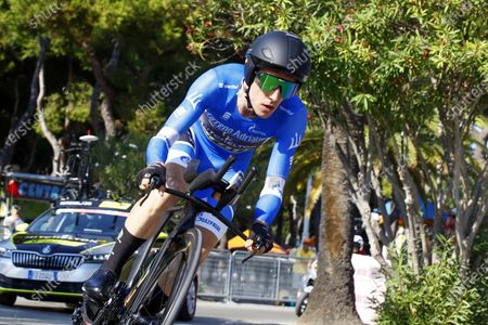 British rider Simon Yates of the Mitchelton-Scott team wears the overall leader's blue jersey during the 8th stage of the 55th Tirreno-Adriatico 2020 cycling race, an individual time trial over 10.1km, in San Benedetto del Tronto, Italy, 14 September 2020. Yates won the overall classification.