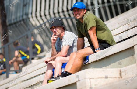 Darren Cahill watches Simona Halep playing doubles at the 2020 Internazionali BNL d'Italia WTA Premier 5 tennis tournament
