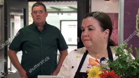 Coronation Street - Ep 10122 Monday 21st September 2020 - 2nd Ep George, as played by Tony Maudsley, calls in the flower shop and orders a bouquet for Mary Taylor, as played by Patti Clare, to prove he's truly sorry for upsetting her.