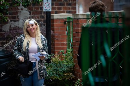Coronation Street - Ep 10127 Monday 28th September 2020 - 1st Ep Geoff Metcalfe is intrigued when he sees Nicky, as played by Kimberley Hart Davies, in the cafe giving Daniel Osbourne, as played by Rob Mallard, some money back saying she didn't need it all.