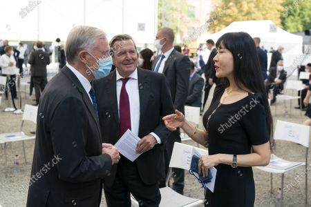 (L-R) Former German president Horst Koehler, former German chancellor Gerhard Schroeder, and his wife Kim So-yeon attend at the event to mark the Central Council of Jews in Germany's 70th anniversary, at the New Synagogue in Berlin, Germany, 15 September 2020. The Central Council was founded on 19 July 1950 just five years after the Shoa and has become the recognized group representing the interests of Jewish communities in Germany.
