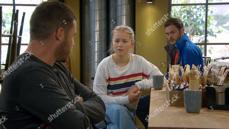 Emmerdale - Ep 8842 Tuesday 22nd September 2020 Al Grant later introduces Ben, as played by Simon Lennon, to Aaron Dingle, as played by Danny Miller, there's a clear frisson between the pair. With Liv Flaherty, as played by Isobel Steele.