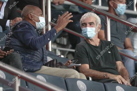 Bernard Lama and Raymond Domenech had a conversation with their protector masks against CoVid19 in presidential stand