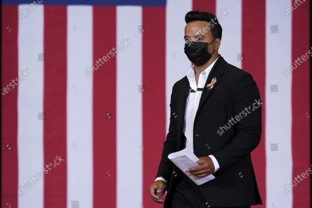Performer Luis Fonsi arrives to speak at a Hispanic Heritage Month event featuring Democratic presidential candidate former Vice President Joe Biden, at Osceola Heritage Park in Kissimmee, Fla