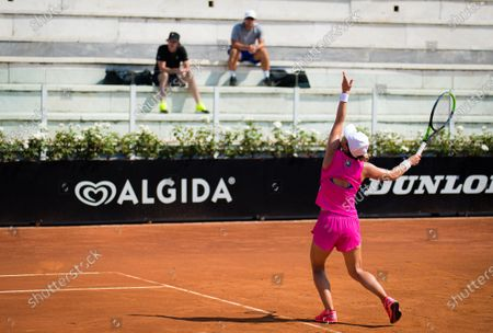 Darren Cahill & Team Halep watch Simona Halep during her second-round match at the 2020 Internazionali BNL d'Italia WTA Premier 5 tennis tournament
