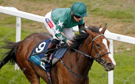 MAJESTIC NOOR (Hollie Doyle) wins The EBF Stallions John Musker Fillies Stakes Yarmouth
