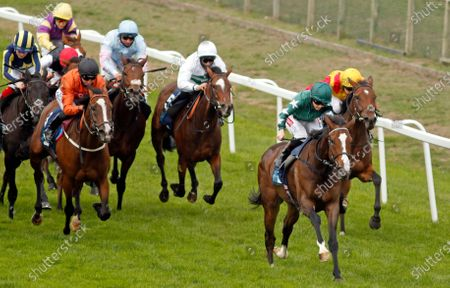 Stock Image of MAJESTIC NOOR (Hollie Doyle) beats BLACK LOTUS (left) in The EBF Stallions John Musker Fillies Stakes Yarmouth