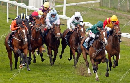 MAJESTIC NOOR (Hollie Doyle) beats BLACK LOTUS (left) in The EBF Stallions John Musker Fillies Stakes Yarmouth