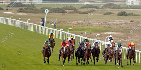 MAJESTIC NOOR (2nd right, Hollie Doyle) wins The EBF Stallions John Musker Fillies Stakes Yarmouth