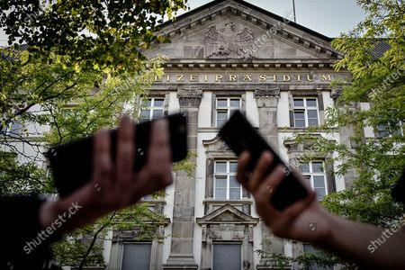 An exterior view of the Essen police department in Essen, Germany, 16 September 2020. In North Rhine-Westphalia state, 29 police officers are suspected of having sent each other right-wing extremist messages in chat groups. Among other things, pictures of Adolf Hitler and swastikas were found. A total of 34 police stations and private homes in Duisburg, Essen, Moers, Muelheim and Oberhausen were searched.