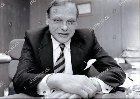Sir Peter Hunt Of Land Securties. (kt 6/95) (died 12/97)