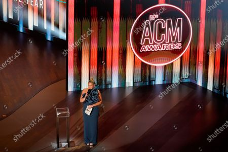 Lauren Alaina presents the male artist of the year award during the 55th annual Academy of Country Music Awards at the Grand Ole Opry House, in Nashville, Tenn