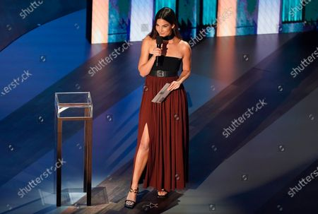Stock Image of Lily Aldridge presents the group of the year award during the 55th annual Academy of Country Music Awards at the Grand Ole Opry House, in Nashville, Tenn