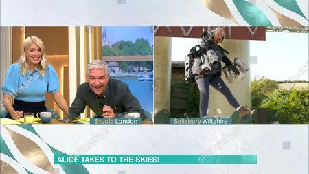 Arkistokuva kohteesta Phillip Schofield, Holly Willoughby, Alice Beer tries a jet pack