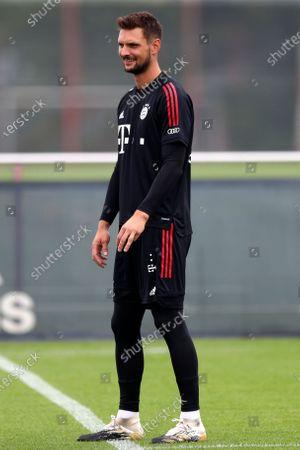Bayern Munich goalkeeper Sven Ulreich attends a training session in Munich, Germany, . The German Bundesliga starts next Friday, Sept. 18, 2020