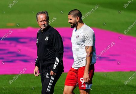 Aleksander Mitrovic of Fulham alongside Fulham coach Stuart Gray