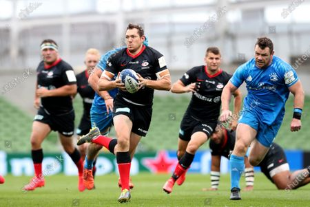 Alex Goode breaks clear to score the opening Try of the game for Saracens