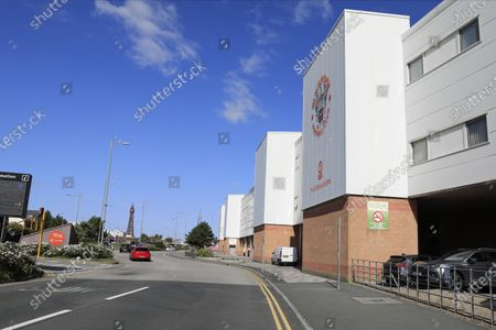 The roads outside Bloomfield Park are very quiet before the game