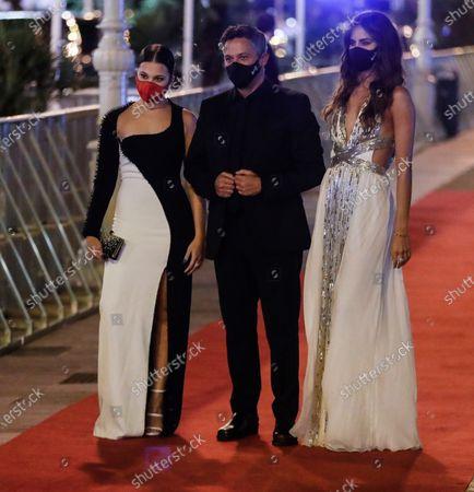The singer Alejandro Sanz (C) accompanied by his daughter Manuela (L) and his partner Rachel Valdes (R), upon arrival at the presentation of the film 'El verano que vivimos', at the 68th Festival San Sebastian International Film Festival, in San Sebastian, Spain, 20 September 2020.