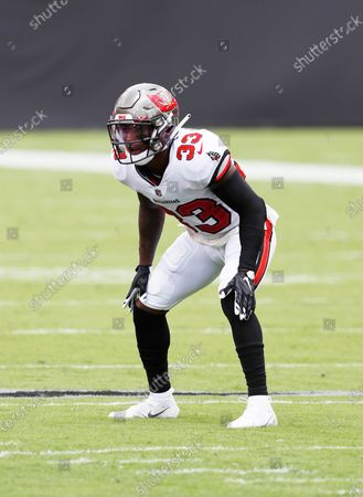 Tampa Bay Buccaneers free safety Jordan Whitehead (33) prepares to face the Carolina Panthers offense during an NFL football game, in Tampa, Fla