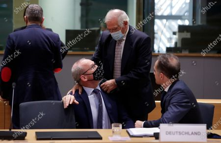 Irish Foreign minister Simon Coveney (L), German Minister of Foreign Affairs Heiko Maas (R) and European High Representative of the Union for Foreign Affairs, Josep Borrell (C) during a Foreign affairs ministers council in Brussels, Belgium, 21 September 2020.