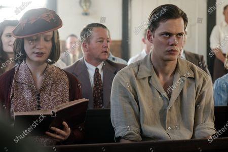 Mia Wasikowska as Helen Hatton and Bill Skarsgard as Willard Russell