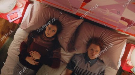 Stock Picture of Zoe Levin as Tiff and Brendan Scannell as Pete