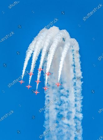 Red Arrows flying in Lincolnshire on Friday afternoon. The Red Arrows were spotted performing a spectacular spaghetti break as they landed back in Lincolnshire.