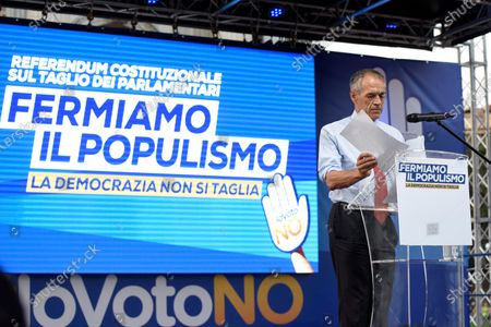 Carlo Cottarelli attends the public meeting for the NO in the referendum against the cut of parliamentarians
