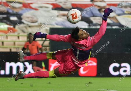 Goalkeeper Alfredo Talavera of Pumas in action during the 2020 Guardians of Mexico soccer tournament between Leon and Pumas, in Leon, Mexico, 21 September 2020.