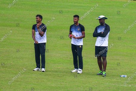 Bangladesh National Cricket Players Rubel Hossain (L), Mustafizur Rahman (M) and Bowing coach Ottis Gibson (R) during practice session at Sher e Bangla National Cricket Stadium in Dhaka, Bangladesh on September 21, 2020. Bangladesh is likely to play two tests in Kandy and the third in Colombo, with the side tour Sri Lanka this month. A tentative fixture has been chalked by the Bangladesh Cricket Board and Sri Lanka Cricket which will be revealed ahead of the series.