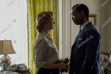 Cynthia Nixon as Gwendolyn Briggs and Michael Benjamin Washington as Trevor Briggs