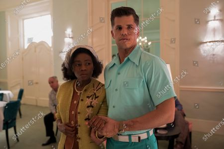 Liz Femi as Patient Leona and Charlie Carver as Huck Finnigan