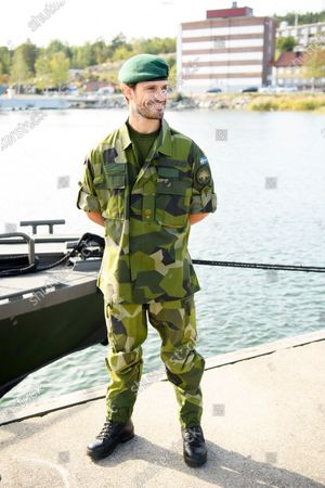 Major Prince Carl Philip visits Marine Regiment, Berga