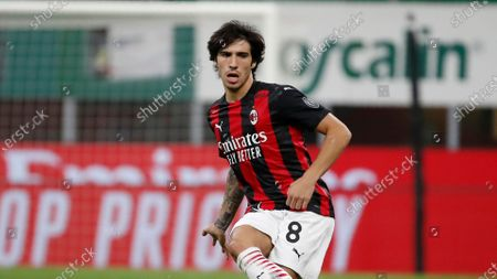 Milan's Sandro Tonali controls the ball during the Serie A soccer match between AC Milan and Bologna at the San Siro stadium, in Milan, Italy