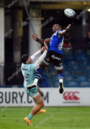 Semesa Rokoduguni of Bath Rugby looks to claim the ball in the air