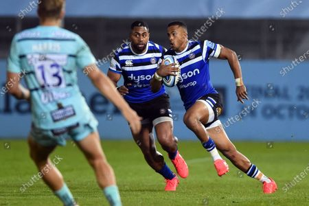Anthony Watson of Bath Rugby goes on the attack