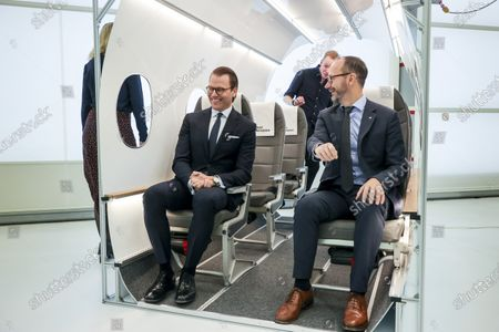 Prince Daniel visits Heart Aerospace's exhibition, Save Airport