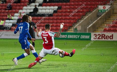 Danny Andrew of Fleetwood Town is unable to prevent Alex Iwobi of Everton shooting to score his side's third goal after 49 minutes; Highbury Stadium, Fleetwood, Lancashire, England; English Football League Cup, Carabao Cup Football, Fleetwood Town versus Everton.