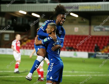 Richarlison of Everton (R) celebrates with team mate Alex Iwobi (L) after scoring his team's second goal during the English Carabao Cup third round match between Fleetwood Town and Everton in Fleetwood, Britain, 23 September 2020.