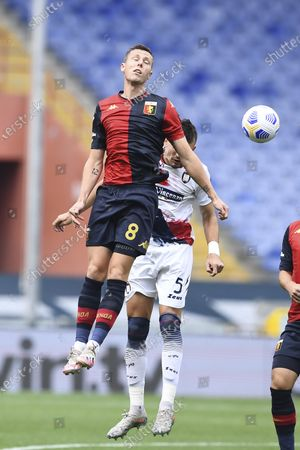 "Lukas Reiff Lerager (Genoa) Vladimir Golemic (Crotone)      during the Italian "" Serie A"" match between  Genoa 4-1 Crotone  at  Luigi Ferraris Stadium  on September 20 , 2020 in Genova, Italy."