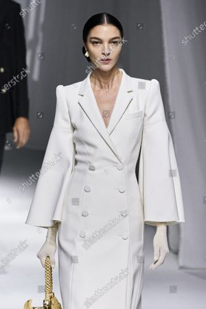 Stock Image of Mariacarla Boscono on the catwalk