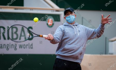Darren Cahill during practice before the start of the 2020 Roland Garros Grand Slam tennis tournament